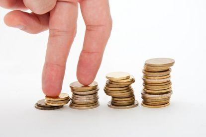 gehaltsvorstellung-münzen-finger-tafel-formel
