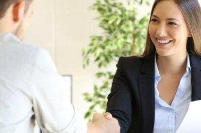 Personaldienstleistungskaufmann*kauffrau: Gehalt während und nach der Ausbildung